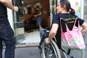 Des Jaccedeurs qui recensent un lieu accessible