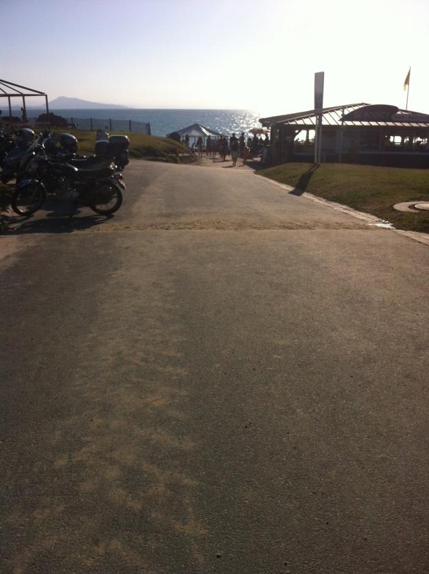 Le chemin menant à la plage.